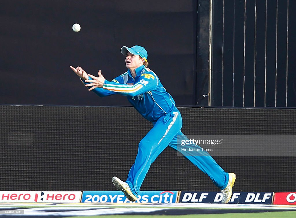 Pune Warriors player Steven Smith tries to catch of Ajinkya Rahanel during the IPL 5 T20 match between Pune Warriors and Rajasthan Royals at Subrata Roy Sahara Stadium on May8, 2012 in Pune, India. Chasing the target of 126 runs Rajasthan Royals win the match by wicket and 22 balls to go.