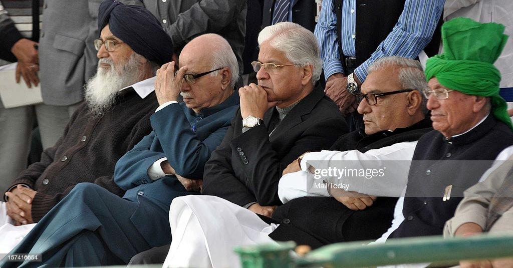 Punjab CM Parkash Singh Badal, senior BJP leader LK Advani, Union Minister Ashwani, Haryana CM Bhupinder Singh Hooda and INLD chief Om Prakash Chautala during the cremation of former Prime Minister IK Gujral at Smriti Sthal in New Delhi on Saturday.