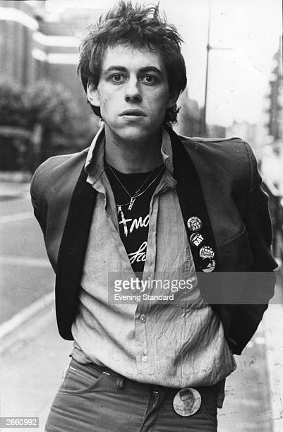 A punky looking Bob Geldof singer with punk pop group the Boomtown Rats Original Publication People Disc HF0325