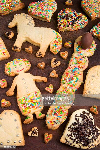 Pupa, cavallo e cuori, (doll, horse and hearts), Italian biscuits for children on Easter Day, Abruzzo, Italy, Europe