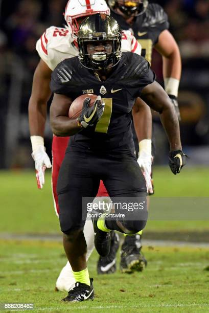 Purdue Boilermakers running back DJ Knox heads up the field during the Big Ten conference game between the Purdue Boilermakers and the Nebraska...