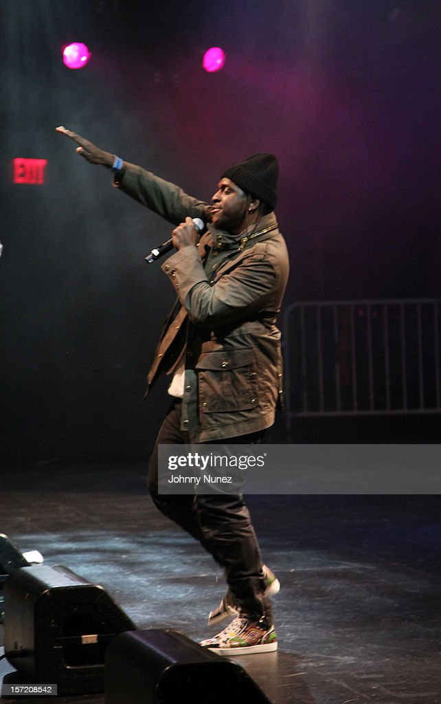 <a gi-track='captionPersonalityLinkClicked' href=/galleries/search?phrase=Pusha+T&family=editorial&specificpeople=3994271 ng-click='$event.stopPropagation()'>Pusha T</a> performs at Best Buy Theatre on November 29, 2012 in New York City.