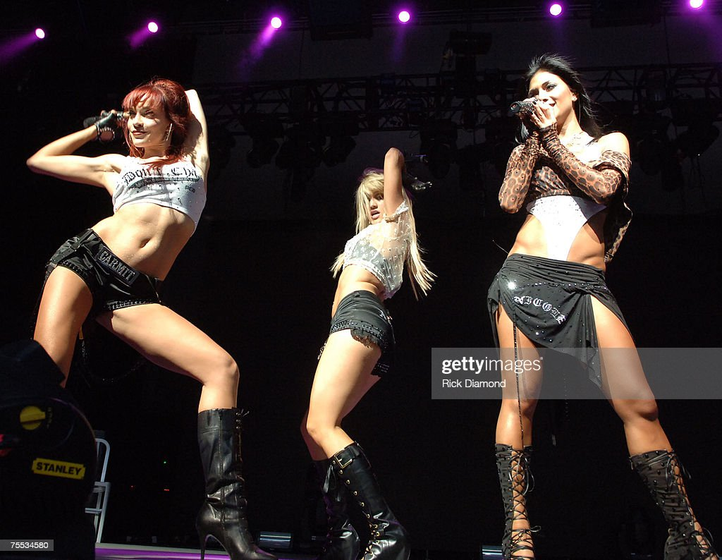 The Pussycat Dolls Concert Setlist at Quex Park