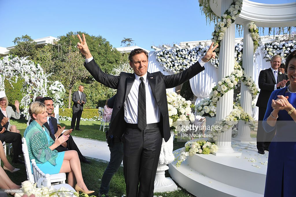 SCANDAL 'Put A Ring On It' When Michael gets himself in a bad situation the Gladiators launch into damage control and put pressure on Cyrus to move...