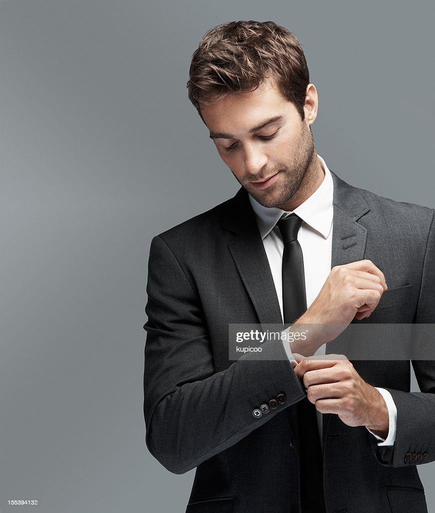 Legen Sie die Nachricht in der Nähe dieser charmanten modernen Mann : Stock-Foto