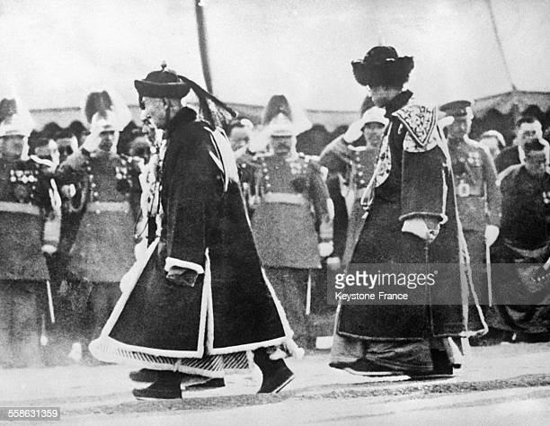 Puyi a droite dernier Empereur de Chine est couronne Empereur de Mandchourie a Changchun Chine le 1er mars 1934
