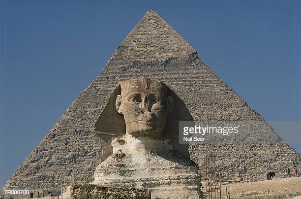 Pyramid at Giza, Sphinx in Front