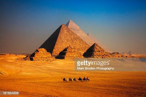 Pyramid caravan