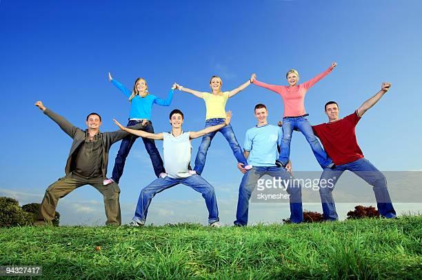 Pyramide de jeunes.