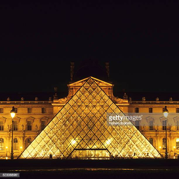 Pyramide du Louvre, Musee du Louvre, Paris, France