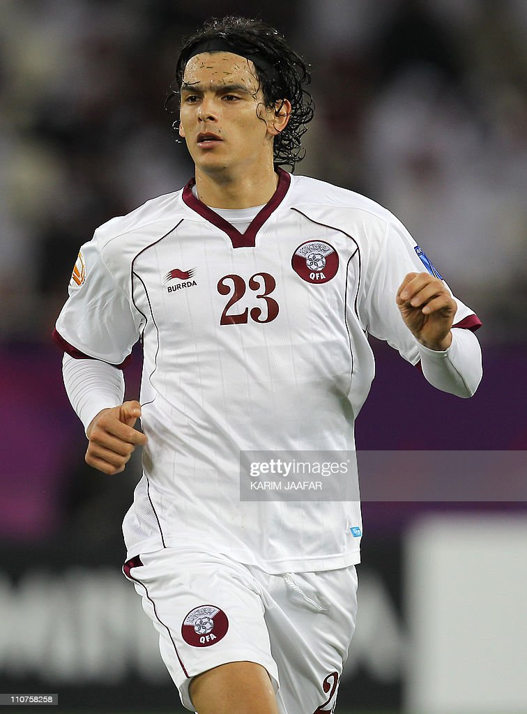 Qatar's forward Sebastian Soria runs during the 2011 Asian Cup group A football match between China and Qatar at Khalifa Stadium in the Qatari...