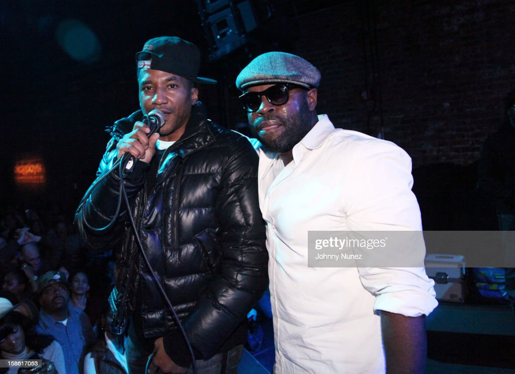 Q-Tip and <a gi-track='captionPersonalityLinkClicked' href=/galleries/search?phrase=Black+Thought&family=editorial&specificpeople=228555 ng-click='$event.stopPropagation()'>Black Thought</a> perform at Brooklyn Bowl on December 20, 2012, in New York City.