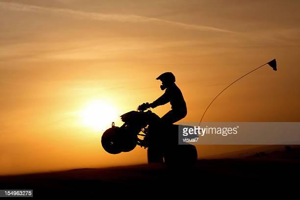 Quadbike bei Sonnenuntergang