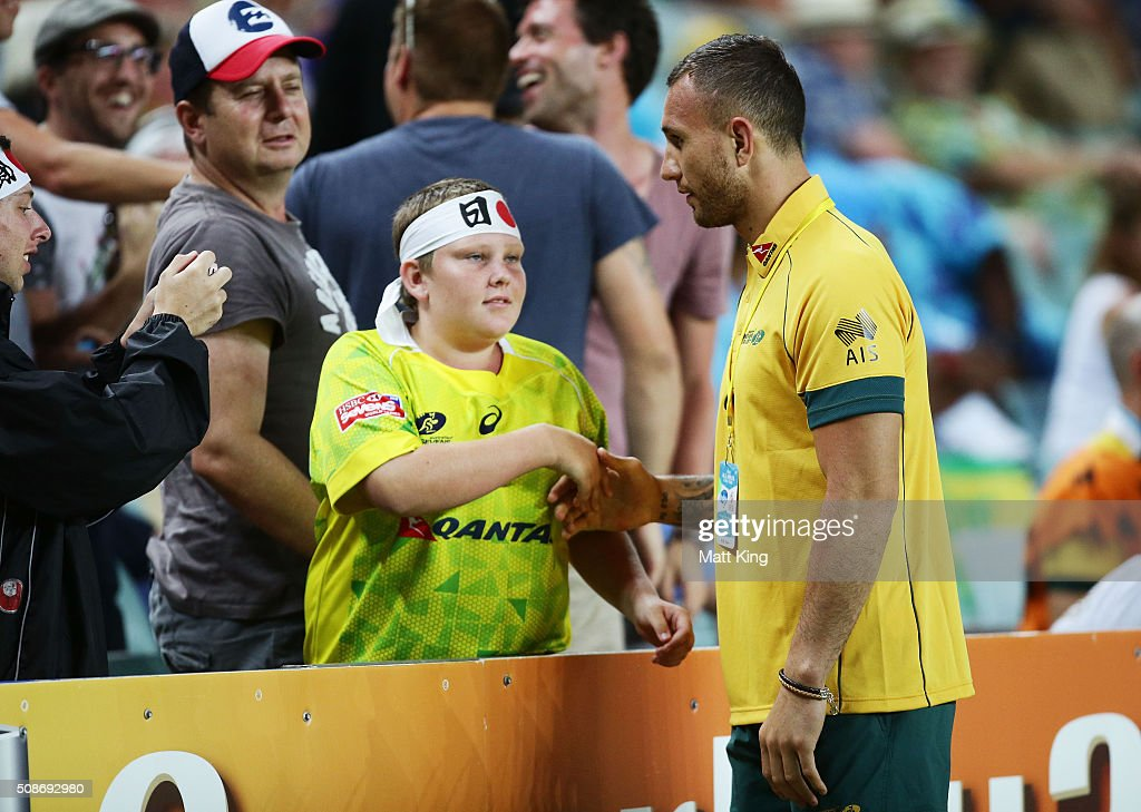Quade Cooper of Australia interacts with fans during the 2016 Sydney Sevens at Allianz Stadium on February 6, 2016 in Sydney, Australia.