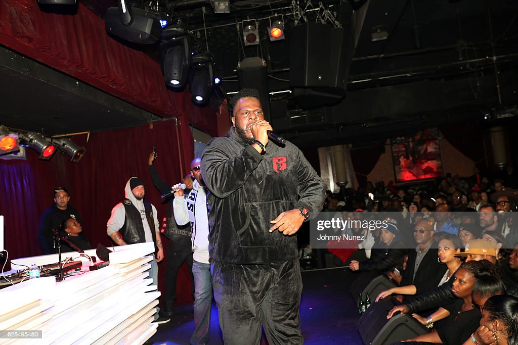 Quadir Lateef performs at B.B. King Blues Club & Grill on November 23, 2016 in New York City.