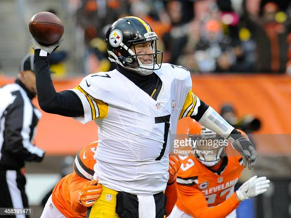 Pittsburgh Steelers v Cleveland Browns : News Photo