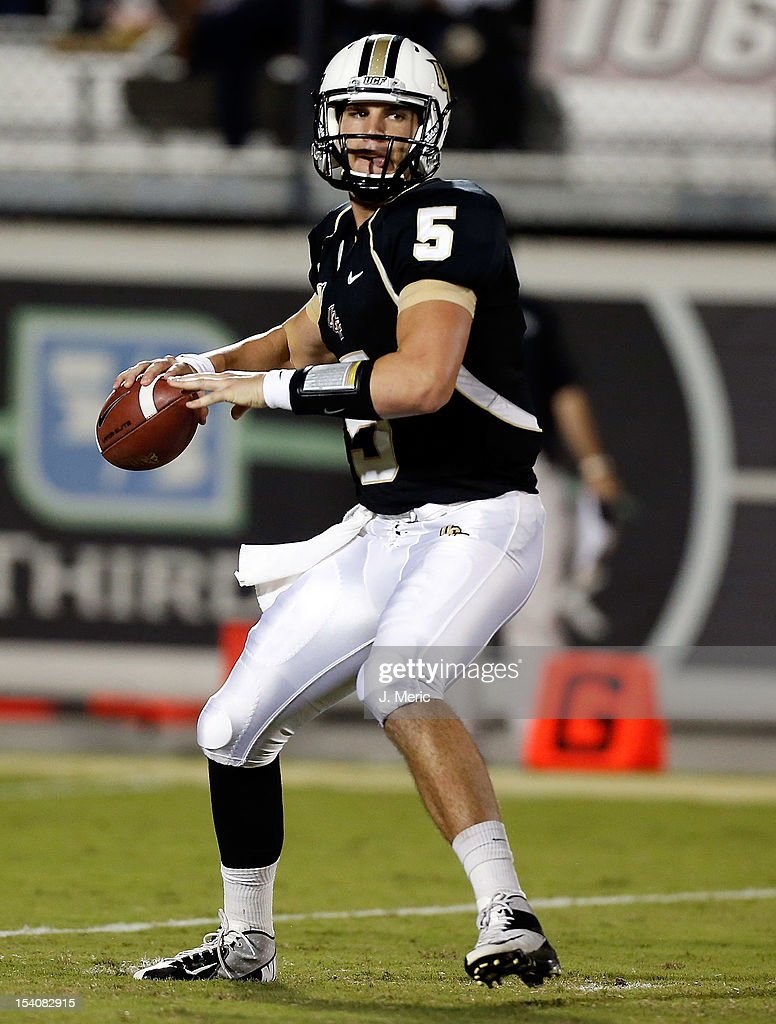 Quarterback Blake Bortles #5 of the Central Florida Knights looks for an open receiver against the Southern Mississippi Golden Eagles during the game at Bright House Networks Stadium on October 13, 2012 in Orlando, Florida.