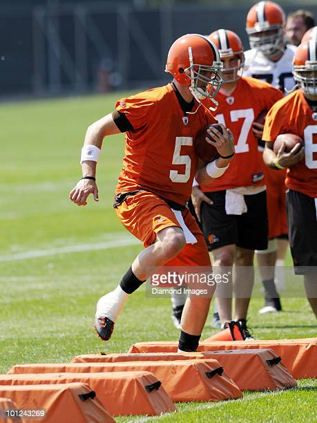 Quarterback Brett Ratliff of the Cleveland Browns performs an agility drill during the team's organized team activity on May 27 2010 at the Cleveland...