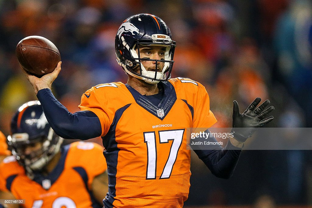 Quarterback <a gi-track='captionPersonalityLinkClicked' href=/galleries/search?phrase=Brock+Osweiler&family=editorial&specificpeople=6501030 ng-click='$event.stopPropagation()'>Brock Osweiler</a> #17 of the Denver Broncos passes against the Cincinnati Bengals during a game at Sports Authority Field at Mile High on December 28, 2015 in Denver, Colorado.