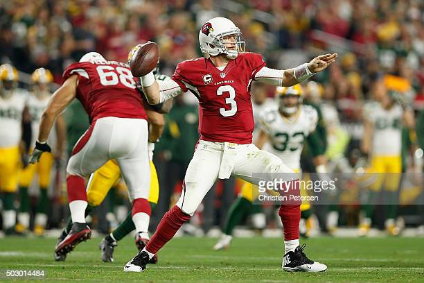 Quarterback Carson Palmer of the Arizona Cardinals throws a pass during the NFL game against the Green Bay Packers at the University of Phoenix...