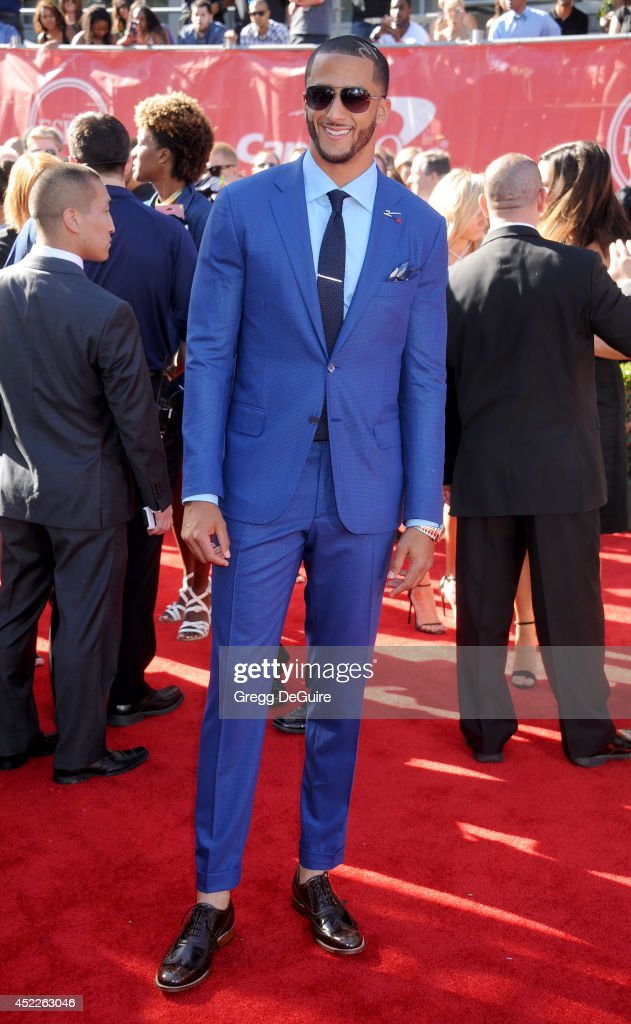 NFL quarterback <a gi-track='captionPersonalityLinkClicked' href=/galleries/search?phrase=Colin+Kaepernick&family=editorial&specificpeople=5525694 ng-click='$event.stopPropagation()'>Colin Kaepernick</a> arrives at the 2014 ESPY Awards at Nokia Theatre L.A. Live on July 16, 2014 in Los Angeles, California.
