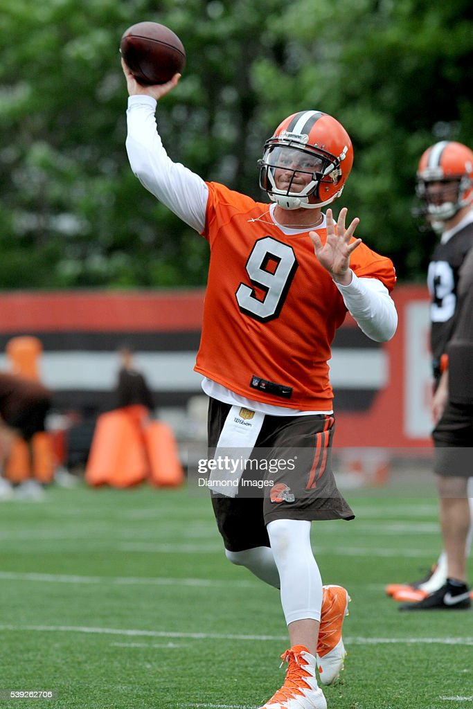 Quarterback <a gi-track='captionPersonalityLinkClicked' href=/galleries/search?phrase=Connor+Shaw+-+American+Football+Player&family=editorial&specificpeople=9849665 ng-click='$event.stopPropagation()'>Connor Shaw</a> #9 of the Cleveland Browns throws a pass during a mandatory minicamp on June 7, 2016 at the Cleveland Browns training facility in Berea, Ohio.