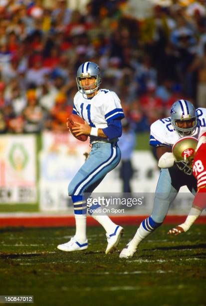 Quarterback Danny White of the Dallas Cowboys drops back to pass against the San Francisco 49ers during an NFL football game at Candlestick Park...