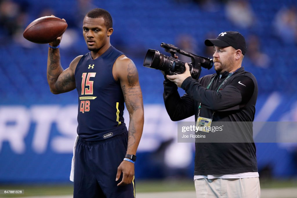 Quarterback Deshaun Watson of Clemson gets ready to throw during day four of the NFL Combine at Lucas Oil Stadium on March 4, 2017 in Indianapolis, Indiana.