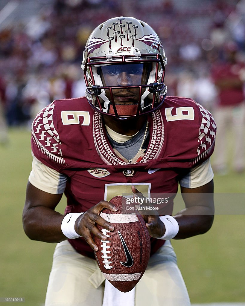 Quarterback <a gi-track='captionPersonalityLinkClicked' href=/galleries/search?phrase=Everett+Golson&family=editorial&specificpeople=9688386 ng-click='$event.stopPropagation()'>Everett Golson</a> #6 of the Florida State Seminoles during the game against the Miami Hurricanes at Doak Campbell Stadium on Bobby Bowden Field on October 10, 2015 in Tallahassee, Florida. The 12th Ranked Seminoles defeated the Hurricanes 29 to 24.