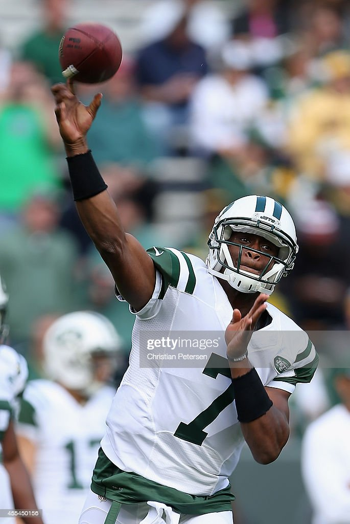 Quarterback Geno Smith #7 of the New York Jets warms up prior to the NFL game against the Green Bay Packers at Lambeau Field on September 14, 2014 in Green Bay, Wisconsin.
