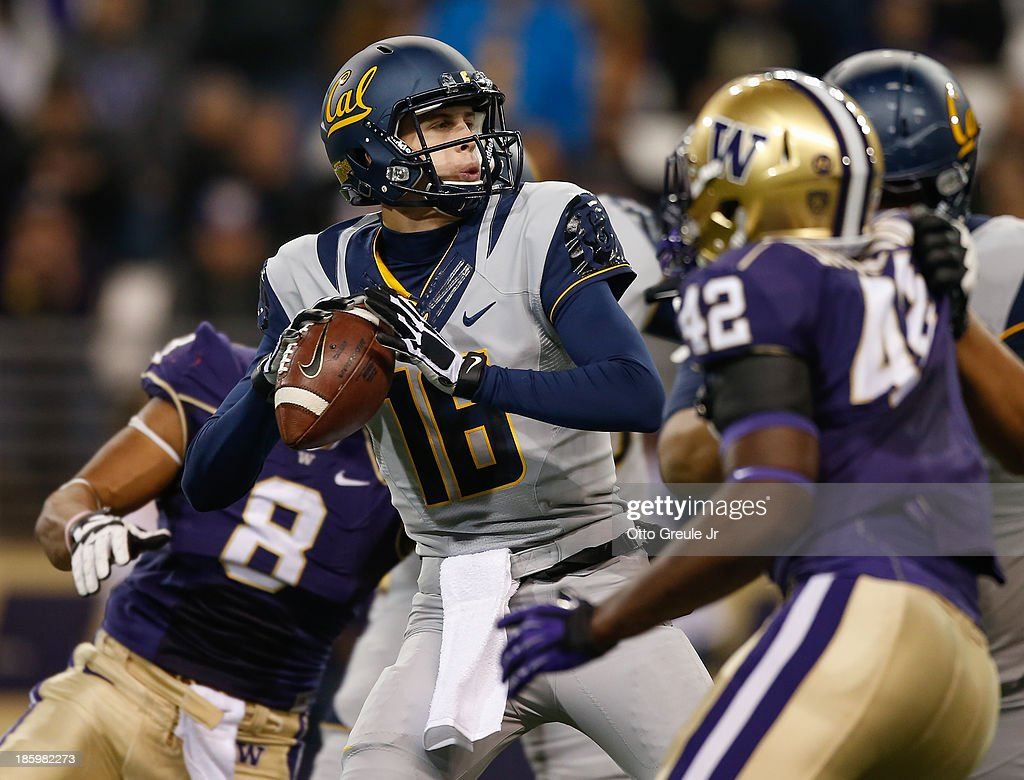 Quarterback Jared Goff #16 of the California Golden Bears passes against the Washington Huskies on October 26, 2013 at Husky Stadium in Seattle, Washington.