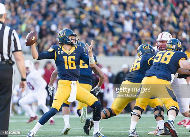 Quarterback Jared Goff of the California Golden Bears throws a pass during a PAC12 NCAA football game against the Stanford Cardinal in the 117th Big...