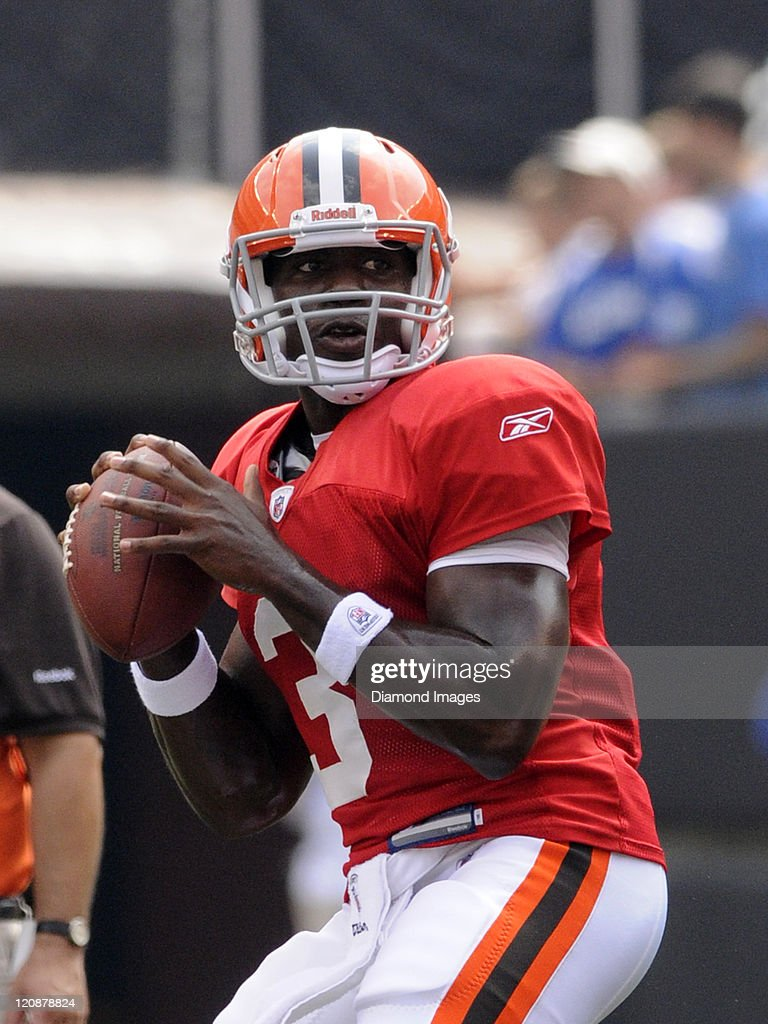 Quarterback <a gi-track='captionPersonalityLinkClicked' href=/galleries/search?phrase=Jarrett+Brown&family=editorial&specificpeople=4056499 ng-click='$event.stopPropagation()'>Jarrett Brown</a> #3 of the Cleveland Browns looks for an open receiver during a preseason Family Day practice on August 6, 2011 at Cleveland Browns Stadium in Cleveland, Ohio.