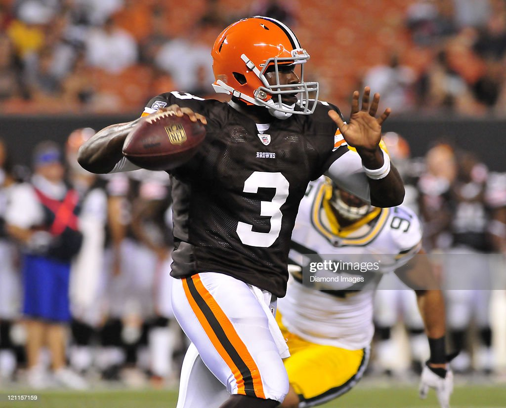 Quarterback <a gi-track='captionPersonalityLinkClicked' href=/galleries/search?phrase=Jarrett+Brown&family=editorial&specificpeople=4056499 ng-click='$event.stopPropagation()'>Jarrett Brown</a> #3 of the Cleveland Browns looks to pass during a game with the Green Bay Packers at Cleveland Browns Stadium in Cleveland, Ohio. The Browns won 27-17.