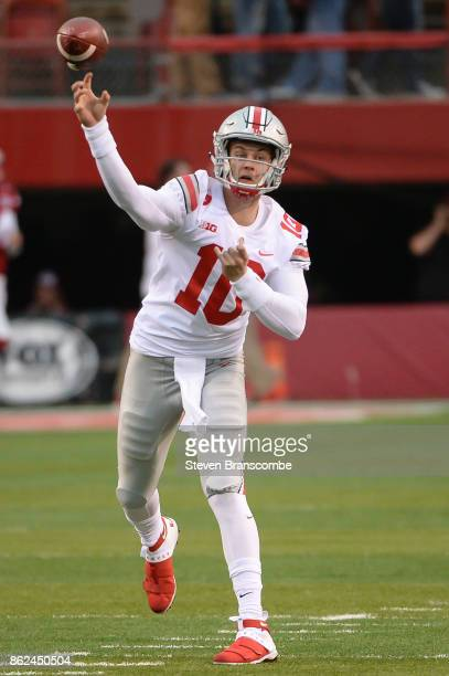 Quarterback Joe Burrow of the Ohio State Buckeyes warms up before the game against the Nebraska Cornhuskers at Memorial Stadium on October 14 2017 in...