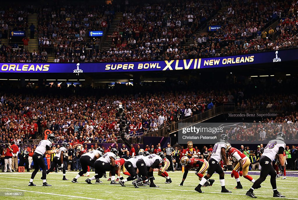 Quarterback Joe Flacco #5 of the Baltimore Ravens calls signals out in the shotgun formation in the first quarter against the San Francisco 49ers during Super Bowl XLVII at the Mercedes-Benz Superdome on February 3, 2013 in New Orleans, Louisiana.