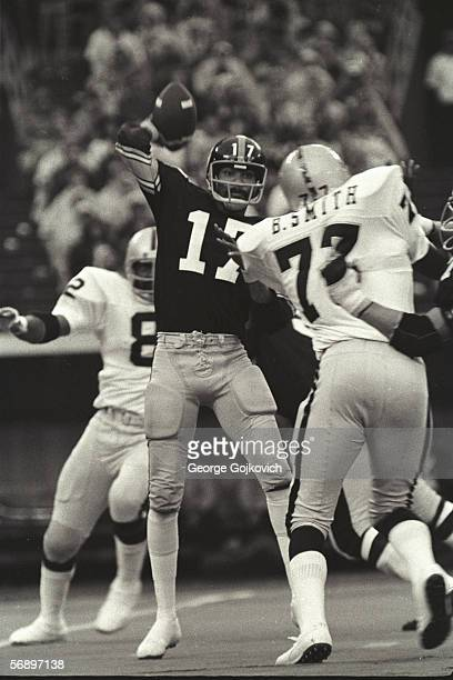 Quarterback Joe Gilliam of the Pittsburgh Steelers passes against the Oakland Raiders at Three Rivers Stadium on September 29 1974 in Pittsburgh...