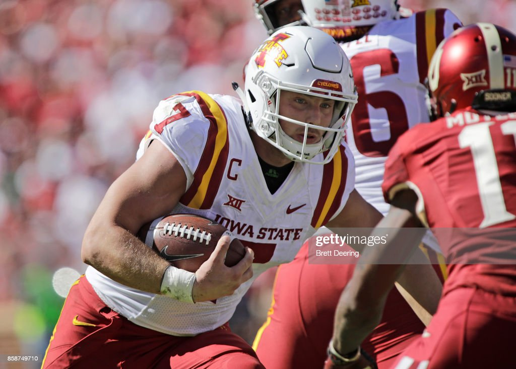 Quarterback Joel Lanning #7 of the Iowa State Cyclones runs against the Oklahoma Sooners at Gaylord Family Oklahoma Memorial Stadium on October 7, 2017 in Norman, Oklahoma. Iowa State defeated Oklahoma 38-31.