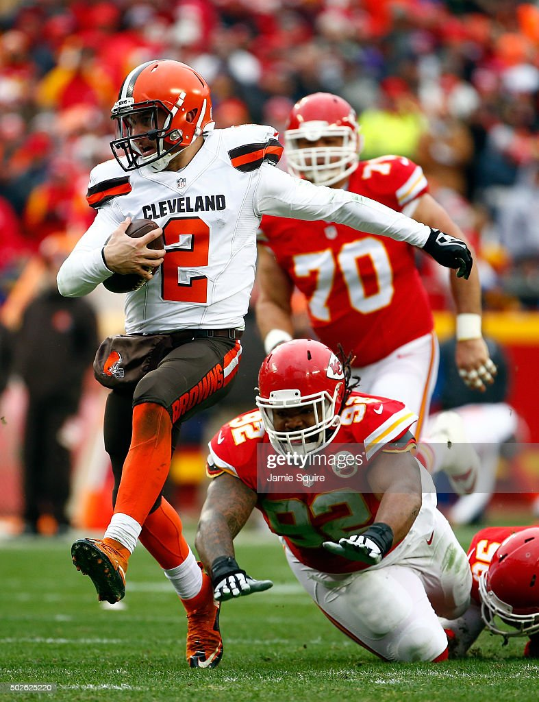 Quarterback Johnny Manziel #2 of the Cleveland Browns scrambles during the game against the Kansas City Chiefs at Arrowhead Stadium on December 27, 2015 in Kansas City, Missouri.