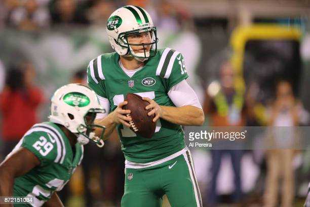 Quarterback Josh McCown of the New York Jets in action against the Buffalo Bills at MetLife Stadium on November 2 2017 in East Rutherford New Jersey