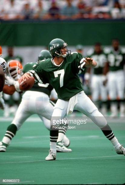 Quarterback Ken O'Brien of the New York Jets drops back to pass against the Cleveland Browns during an NFL football game December 22 1985 at Giants...