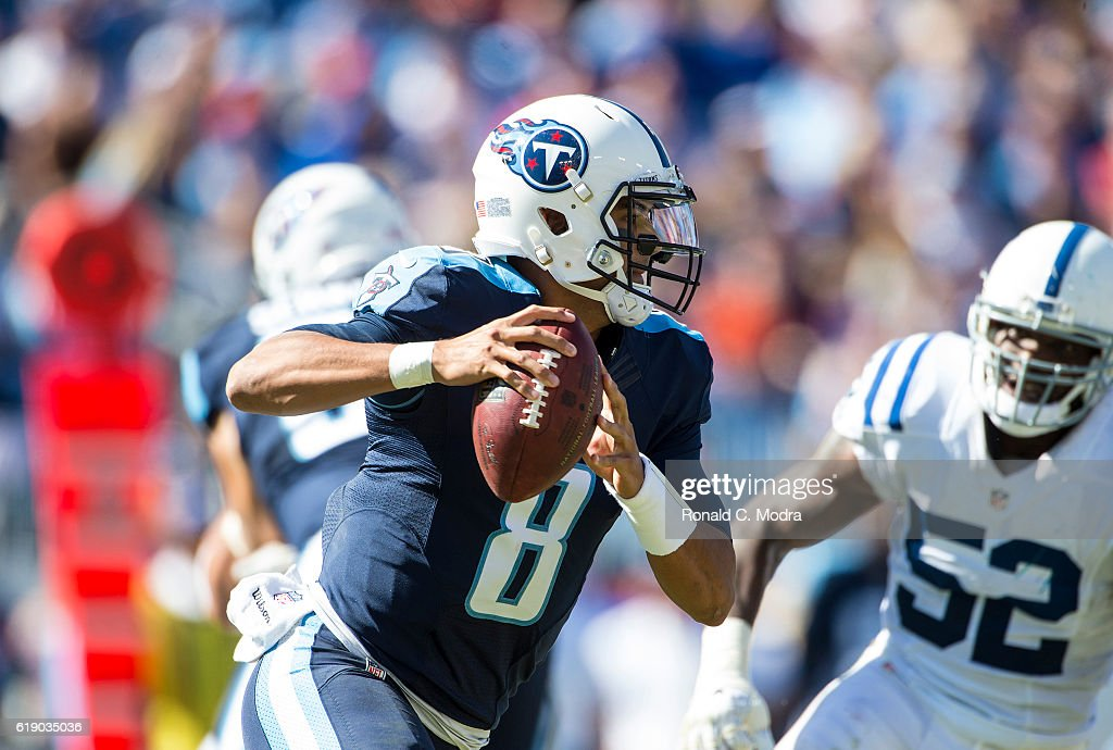 Quarterback Marcus Mariota #8 of the Tennessee Titans looks for a receiver during a NFL game against the Indianapolis Colts at Nissan Stadium on October 23, 2016 in Nashville, Tennessee