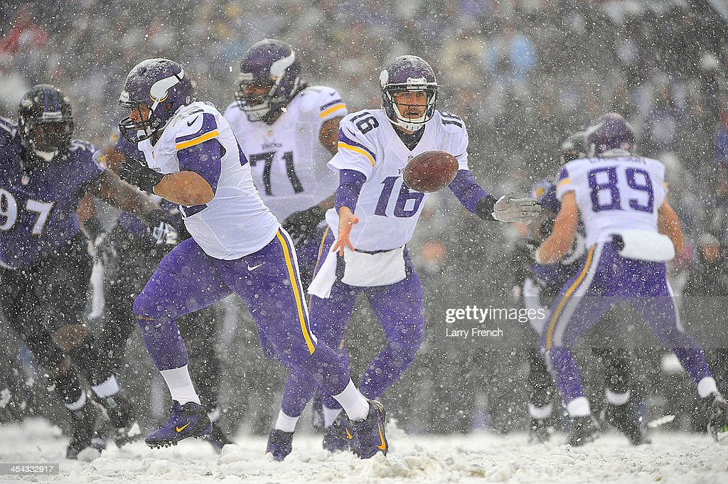 Quarterback <a gi-track='captionPersonalityLinkClicked' href=/galleries/search?phrase=Matt+Cassel&family=editorial&specificpeople=567575 ng-click='$event.stopPropagation()'>Matt Cassel</a> #16 of the Minnesota Vikings hands off during the game against the Baltimore Ravens at M&T Bank Stadium on December 8, 2013 in Baltimore, Maryland. The Ravens defeated the Vikings 29-26.