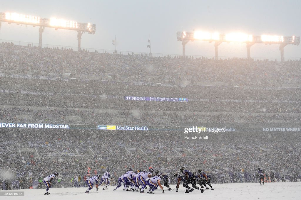 Quarterback <a gi-track='captionPersonalityLinkClicked' href=/galleries/search?phrase=Matt+Cassel&family=editorial&specificpeople=567575 ng-click='$event.stopPropagation()'>Matt Cassel</a> #16 of the Minnesota Vikings takes a snap in the first quarter against the Baltimore Ravens at M&T Bank Stadium on December 8, 2013 in Baltimore, Maryland. The Baltimore Ravens won, 29-26.