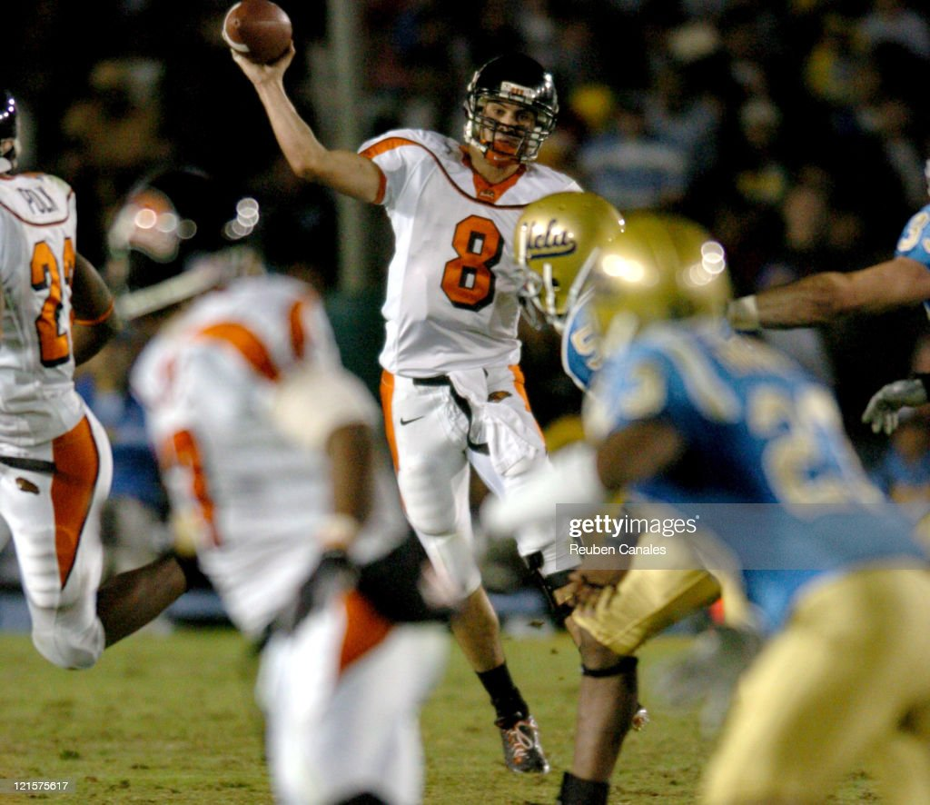 Quarterback <a gi-track='captionPersonalityLinkClicked' href=/galleries/search?phrase=Matt+Moore+-+American+Football+Quarterback&family=editorial&specificpeople=15003303 ng-click='$event.stopPropagation()'>Matt Moore</a> of the Oregon State Beavers in a 25 to 7 loss to the UCLA Bruins on November 11, 2006 at the Rose Bowl in Pasadena, California.