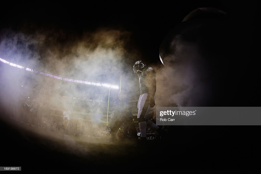 Quarterback Michael Vick #7 of the Philadelphia Eagles is introduced before the start of the Eagles game against the New York Giants at Lincoln Financial Field on September 30, 2012 in Philadelphia, Pennsylvania.