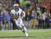 Quarterback Nick Marshall of the Auburn Tigers rushes up field for a first down against the Kansas State Wildcats during the second half on September...