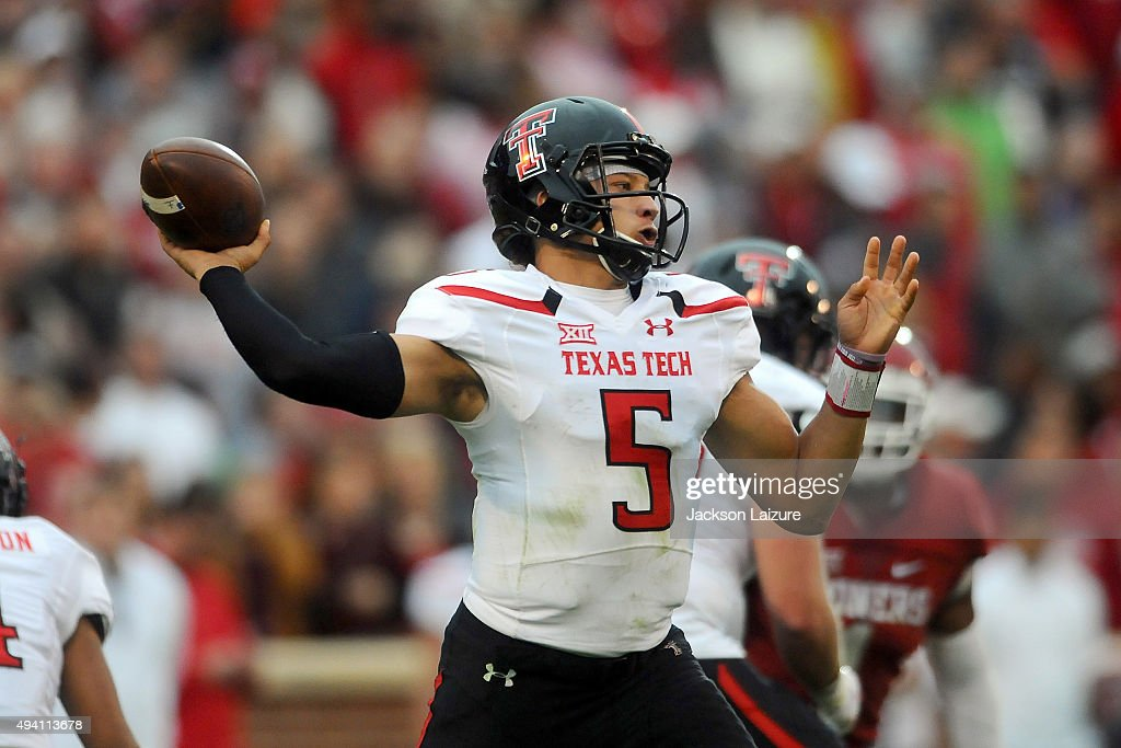 Quarterback Patrick Mahomes II #5 of the Texas Tech Red Raiders throws a pass against the Oklahoma Sooners on October 24, 2015 at the Gaylord Family Oklahoma Memorial Stadium in Norman, Oklahoma.