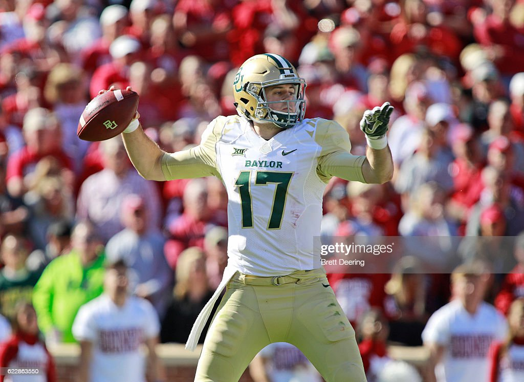Quarterback Seth Russell #17 of the Baylor Bears looks to throw against the Oklahoma Sooners November 12, 2016 at Gaylord Family-Oklahoma Memorial Stadium in Norman, Oklahoma. Oklahoma defeated Baylor 45-24.