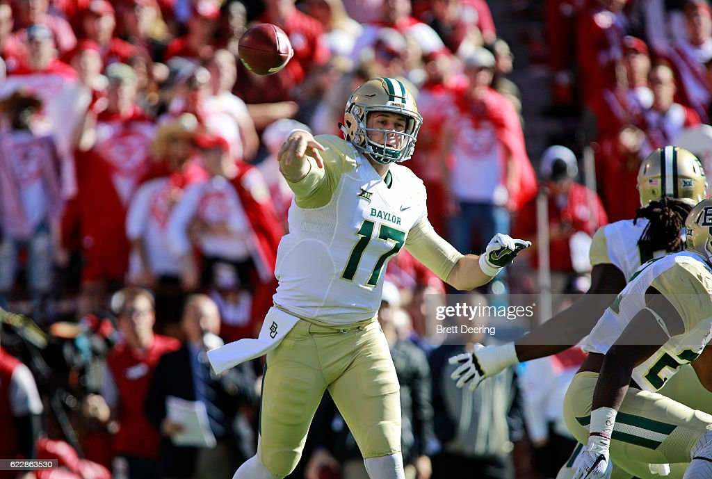 Quarterback Seth Russell #17 of the Baylor Bears throws against the Oklahoma Sooners November 12, 2016 at Gaylord Family-Oklahoma Memorial Stadium in Norman, Oklahoma. Oklahoma defeated Baylor 45-24.